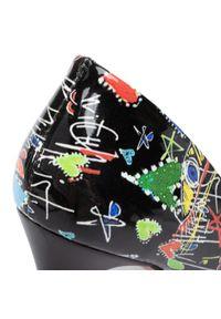 Czarne półbuty Oleksy w kolorowe wzory, z cholewką, na szpilce, na średnim obcasie