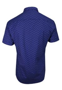 Niebieska elegancka koszula TO-ON krótka, w kwiaty, z krótkim rękawem
