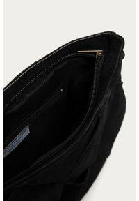 Czarna shopperka Answear Lab zamszowa, na ramię, wakacyjna, gładkie