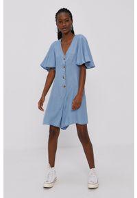 Vero Moda - Kombinezon. Okazja: na co dzień. Kolor: niebieski. Materiał: tkanina, jedwab, materiał, lyocell. Długość rękawa: krótki rękaw. Długość: krótkie. Wzór: gładki. Styl: casual