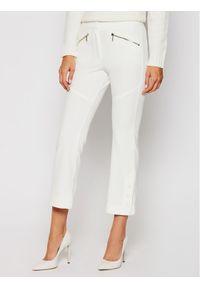 iBlues Spodnie materiałowe Amalia 77860307 Biały Regular Fit. Kolor: biały. Materiał: materiał