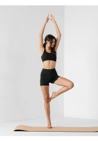 4f - Spodenki do jogi szybkoschnące damskie. Kolor: czarny. Materiał: jersey, dzianina, włókno. Sport: joga i pilates