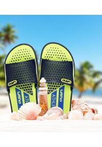 LANO - Klapki młodzieżowe basenowe Lano KL-3-6168-9 Green/Navy. Okazja: na plażę. Zapięcie: bez zapięcia. Materiał: guma. Obcas: na obcasie. Wysokość obcasa: niski. Sport: pływanie