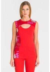 Czerwony top Versace Jeans na lato