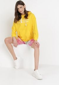 Born2be - Żółta Bluza Corradenah. Kolor: żółty