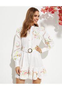 HEMANT & NANDITA - Biała sukienka z ozdobnymi haftami. Kolor: biały. Materiał: materiał. Wzór: haft