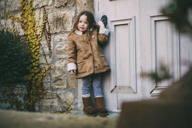 Poradnik dla rodziców: ubranka, buty i akcesoria dla dzieci na zimę do 150 zł