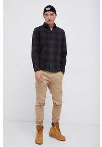 !SOLID - Koszula bawełniana. Typ kołnierza: kołnierzyk klasyczny. Kolor: czarny. Materiał: bawełna. Długość rękawa: długi rękaw. Długość: długie. Styl: klasyczny