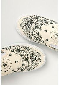 Vans - Tenisówki. Nosek buta: okrągły. Kolor: beżowy. Materiał: guma