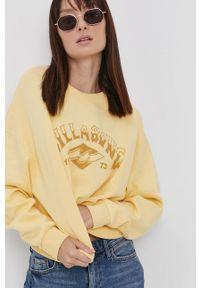 Billabong - Bluza bawełniana. Kolor: żółty. Materiał: bawełna. Długość rękawa: długi rękaw. Długość: długie. Wzór: nadruk