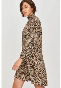 Beżowa sukienka Answear Lab wakacyjna, z długim rękawem, na co dzień