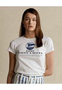 Ralph Lauren - RALPH LAUREN - Biała koszulka z nadrukiem. Okazja: na co dzień. Typ kołnierza: polo. Kolor: biały. Materiał: bawełna. Wzór: nadruk. Sezon: wiosna. Styl: casual