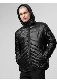 Czarna kurtka puchowa 4f z nadrukiem
