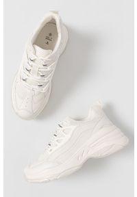 Call It Spring - Buty SIERIAA. Nosek buta: okrągły. Zapięcie: sznurówki. Kolor: biały. Materiał: guma. Obcas: na platformie