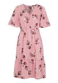 Happy Holly Wzorzysta sukienka z wiskozy Eliza różowy we wzory female różowy/ze wzorem 48/50. Typ kołnierza: dekolt w serek, kołnierz z falbankami. Kolor: różowy. Materiał: wiskoza. Wzór: aplikacja