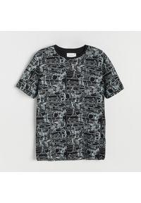 Reserved - T-shirt z grafiką - Czarny. Kolor: czarny