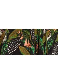 TOP SECRET - Sukienka z szerokim rękawem i dekoltem v. Typ kołnierza: dekolt w kształcie V. Kolor: czarny. Materiał: dzianina. Wzór: nadruk. Sezon: jesień