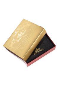 Wittchen - Męski portfel z herbem średni. Kolor: czarny. Materiał: skóra. Wzór: aplikacja