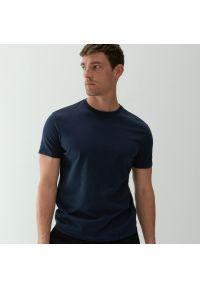 Reserved - Bawełniany t-shirt basic - Granatowy. Kolor: niebieski. Materiał: bawełna
