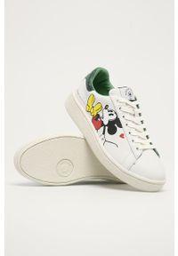Białe sneakersy na sznurówki, z motywem z bajki