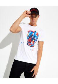 Alexander McQueen - ALEXANDER MCQUEEN - Biały t-shirt z nadrukiem graficznym. Kolor: biały. Materiał: bawełna. Wzór: nadruk