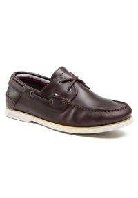 TOMMY HILFIGER - Tommy Hilfiger Półbuty Classic Leather Boat Shoe FM0FM02735 Brązowy. Kolor: brązowy