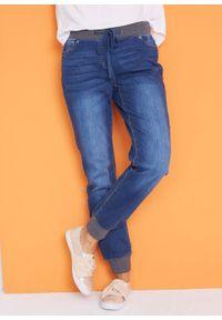 Dżinsy BOYFRIEND ze stretchem i wygodnym paskiem bonprix niebieski denim. Kolor: niebieski #7
