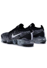 Czarne półbuty Nike na płaskiej podeszwie, z cholewką