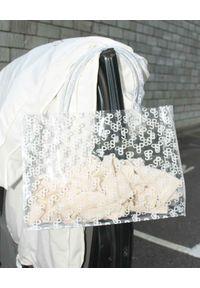 SAKS POTTS - Transparentna torba z logo. Kolor: biały. Wzór: nadruk, aplikacja