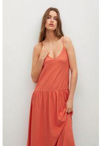 mango - Mango - Sukienka SALMA. Kolor: czerwony. Materiał: włókno, dzianina. Długość rękawa: na ramiączkach. Typ sukienki: rozkloszowane