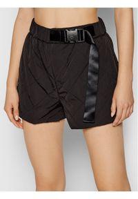 Remain Szorty materiałowe Lola Czarny Wide Fit. Kolor: czarny. Materiał: materiał
