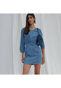 Reserved - Jeansowa sukienka - Niebieski. Kolor: niebieski. Materiał: jeans
