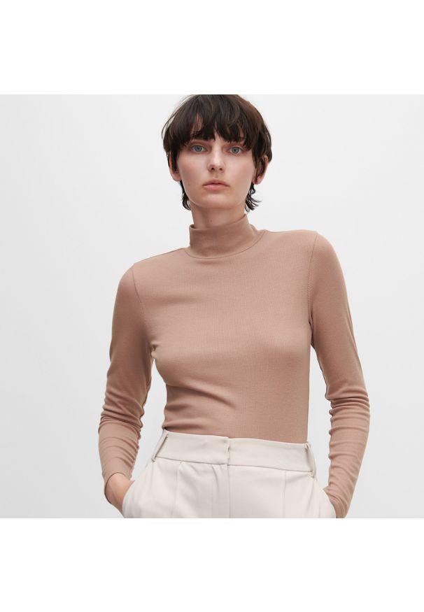 Brązowa bluzka Reserved z golfem