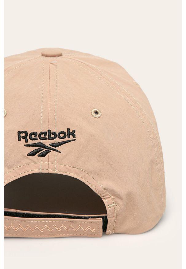 Beżowa czapka z daszkiem Reebok Classic
