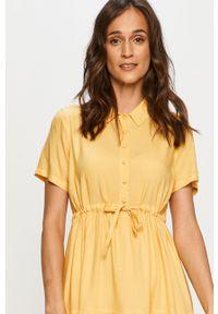 Żółta sukienka Vero Moda prosta, casualowa