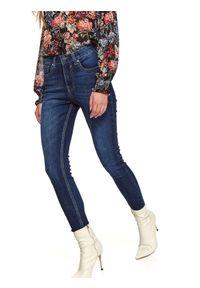 TOP SECRET - Spodnie jeansowe damkie push up. Okazja: do pracy. Stan: podwyższony. Kolor: niebieski. Materiał: jeans. Sezon: zima