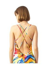 COSEL - Wzorzysta sukienka Anthos Coral. Okazja: na imprezę. Kolor: czerwony. Materiał: tkanina, jedwab, materiał. Długość rękawa: na ramiączkach. Wzór: aplikacja. Sezon: lato. Styl: wakacyjny. Długość: midi #6