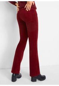Spodnie sztruksowe ze stretchem Bootcut bonprix czerwony kasztanowy. Kolor: czerwony. Materiał: sztruks