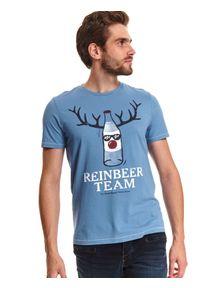 Niebieski t-shirt TOP SECRET z nadrukiem, na zimę