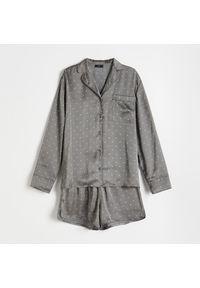 Reserved - Satynowa piżama w kropki - Szary. Kolor: szary. Materiał: satyna. Wzór: kropki