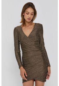 BARDOT - Bardot - Sukienka. Kolor: złoty. Materiał: dzianina, materiał. Typ sukienki: dopasowane