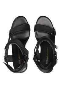 Czarne sandały United Nude