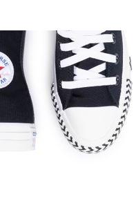 Czarne półbuty Converse na płaskiej podeszwie, z cholewką