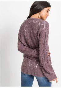 Sweter rozpinany w ażurowy wzór bonprix dymny lila. Kolor: fioletowy. Wzór: ażurowy