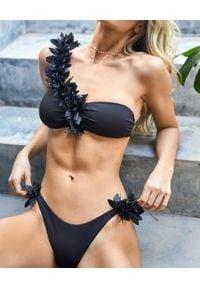 LA REVECHE - Top od bikin Assuan. Kolor: czarny. Materiał: tkanina. Wzór: aplikacja, kwiaty