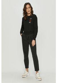 Czarna bluza Ellesse bez kaptura, z długim rękawem, długa, z aplikacjami