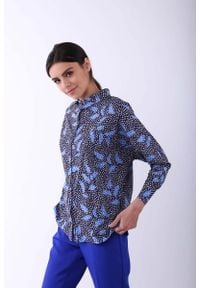 Nommo - Niebieska Koszula z Kimonowym Rękawem. Kolor: niebieski. Materiał: wiskoza, poliester