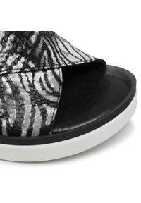 Nessi - Sandały NESSI - 21730 Czarny Zebra. Okazja: na co dzień. Kolor: czarny. Materiał: skóra, nubuk. Wzór: motyw zwierzęcy. Sezon: lato. Styl: casual