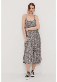 Vero Moda - Sukienka. Kolor: czarny. Materiał: tkanina. Długość rękawa: na ramiączkach. Typ sukienki: rozkloszowane