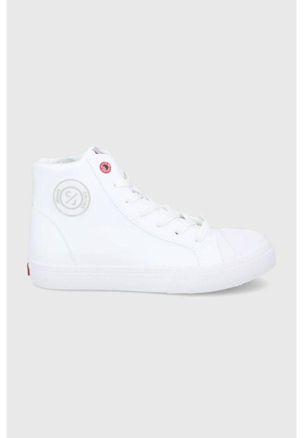Cross Jeans - Trampki. Nosek buta: okrągły. Zapięcie: sznurówki. Kolor: biały. Materiał: guma. Szerokość cholewki: normalna